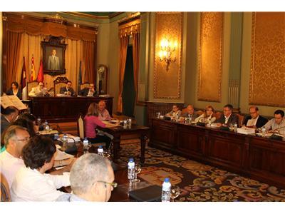 La Diputación de Albacete destina 356.000 € a las universidades populares de la provincia, bibliobús y clubs de lectura