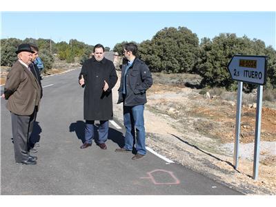 El presidente de la Diputación, Francisco Núñez, visita las mejoras de la carretera provincial que une Ituero con Masegoso y Casas de Lázaro