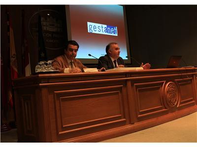 Constantino Berruga presenta la plataforma de información tributaria Gestanet ante representantes de todos los ayuntamientos de la provincia