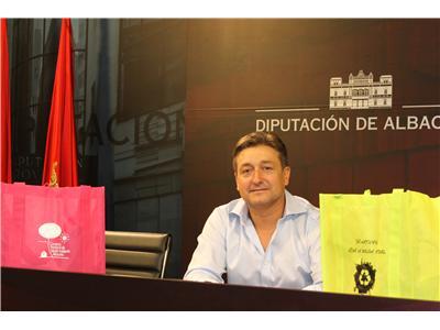 La Diputación repartirá en Feria 2.000 bolsas reutilizables dentro de la campaña de sensibilización medioambiental