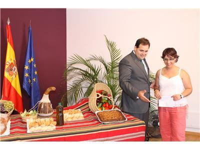 La Recueja promociona los productos de su huerta en el stand ferial de la Diputación Provincial