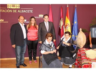 Yeste presentó su importante oferta turística y su Feria de Tradiciones en el stand ferial de la Diputación