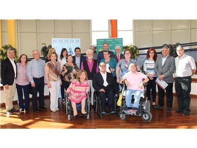 """Cocemfe-Fama entrega los premios de su VII Concurso Literario Superación Personal y Discapacidad"""""""