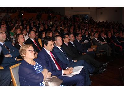 """El presidente de la Diputación felicita a """"Los Guachis"""" por  la placa al mérito regional en el Día de Castilla-La Mancha"""