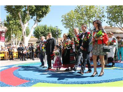 Cabañero felicita a la Peña El Templete por la magnífica organización de la ofrenda a la Virgen de los Llanos
