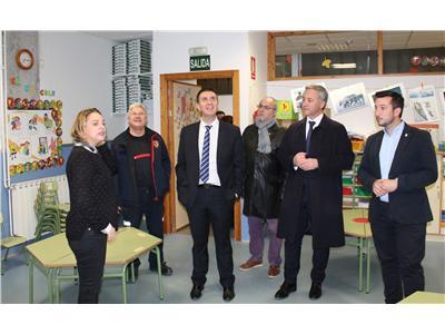 Cabañero pone a disposición de Caudete los servicios de la Diputación para ayudar en los  desperfectos sufridos tras el terremoto.