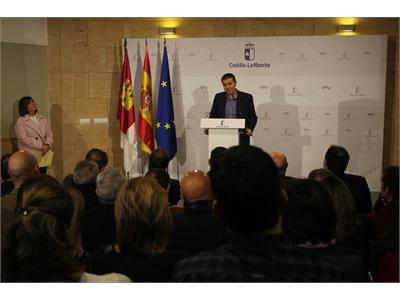 El presidente de la Diputación felicita a los tarazoneros por su nuevo ayuntamiento