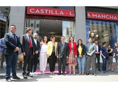 Cabañero afirma que la nueva Oficina de Turismo de Castilla-La Mancha en Madrid es un estímulo para el sector hostelero de nuestra provincia
