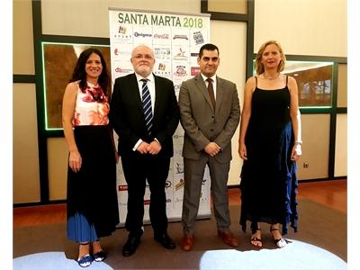 La diputada de Turismo, Raquel Ruiz, arropa a los hosteleros de la provincia en la celebración de santa Marta