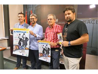 Santiago Cabañero nos anima a disfrutar de El Festivalaco del Humor de Alcalá del Júcar del 26 al 28 de julio