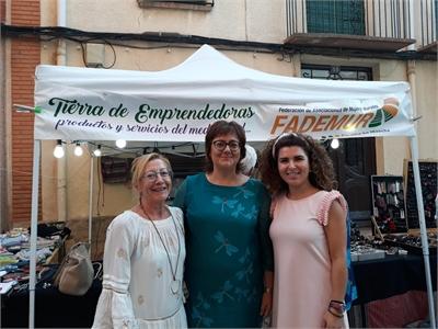 Mª José Vázquez asiste a la Feria Tierra de Emprendedoras que FADEMUR C-LM ha celebrado en Casas Ibáñez con la colaboración de Diputación