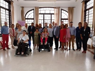 La diputada de Igualdad, Nieves García, felicita al Instituto de la Mujer de C-LM por la 'Mención Selene' recibida de manos de la Asociación Luna