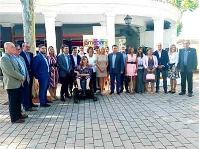 Santiago Cabañero felicita a las mujeres empresarias de la provincia durante el IV Desayuno de Feria de AMEPAP
