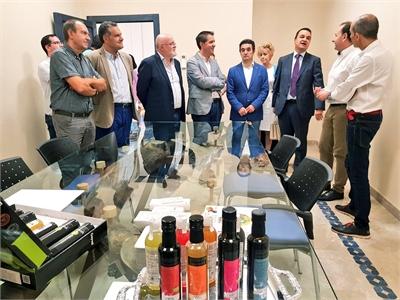 Santiago Cabañero visita en Madrigueras varios puntos clave para la dinamización económica y turística de la Manchuela