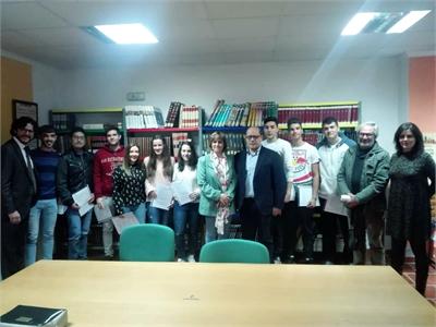 Una quincena de jóvenes de entre 16 y 30 años recibe el diploma del curso de empleo desarrollando en Yeste a través de la Diputación de Albacete
