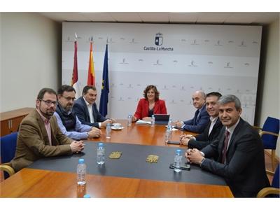 Cabañero asiste en Toledo a una reunión entre Diputaciones y Gobierno de C-LM para abordar la subida del SMI a los trabajadores del Plan de Empleo