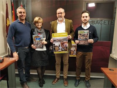 """Alberto González subraya el apoyo de la Diputación a Los Miércoles """"una tradición que merece ser reconocida regionalmente"""""""