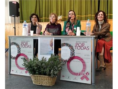 Nieves García subraya en Molinicos la importancia que el colectivo femenino tiene en la dinamización social de pueblos y ciudades