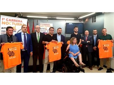 Juan Ramón Amores apadrina la 'Primera Carrera Nocturna' de Amiab por la inclusión en el deporte y anima a la participación