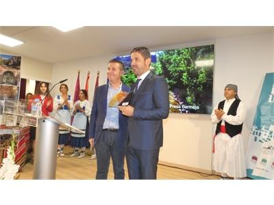 Liétor, el primer pueblo en exhibir sus bondades en el stand de la Diputación de Albacete en la Feria
