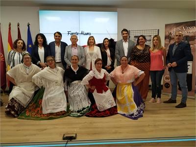 Fuente-Álamo y sus vinos protagonistas del espacio 'Conoce nuestros pueblos' en el stand de Diputación