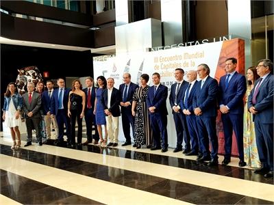 Cabañero anuncia que habrá una aportación extraordinaria de la Diputación al convenio de APRECU para preparar el III Encuentro de Ciudades Cuchilleras