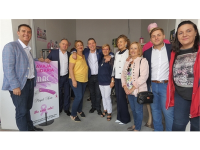 Cabañero y García-Page visitan varios stands de intenso contenido social agradeciendo a sus protagonistas su labor dentro y fuera de la Feria