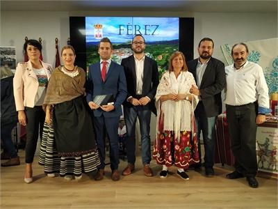 """Férez, """"la desconocida joya serrana"""", brilla en el stand de la Diputación"""