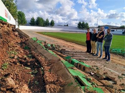 Valera garantiza en Ossa de Montiel el compromiso con la localidad para efectuar las labores de mejora necesarias tras la tormenta del pasado viernes