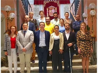 Santiago Cabañero abre las puertas de la Diputación al proyecto Parkinson rural, que va a permitir visibilizar esta enfermedad y ponderar a enfermos