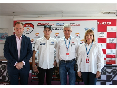 Torres valora que Albacete se convierta en la capital del mundo motociclista gracias al FIM CEV Repsol que se celebrará en el Circuito de Velocidad