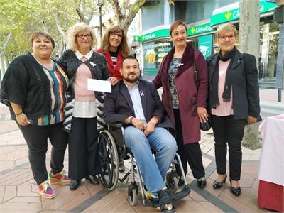 La Diputación de Albacete aporta 'su granito' a una montaña de arena rosa