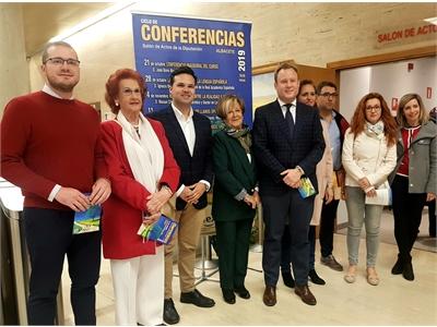 Aluex arranca en Diputación su Ciclo de Conferencias 2019-2020 con la Cultura como antídoto para la soledad