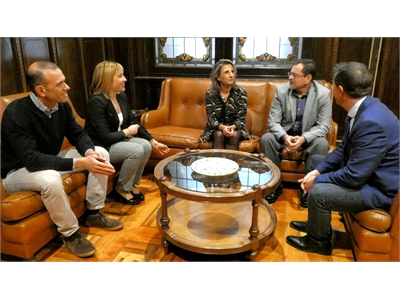 Cabañero y Torres reciben al Dr. Chávez, investigador de la Universidad Estatal de Colorado que ha colaborado durante tres meses en el ITAP