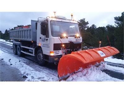Las máquinas quitanieves de la Diputación Provincial trabajan ya en las carreteras de la provincia garantizando la seguridad vial