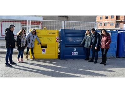 Los primeros contenedores de reciclaje adaptados para personas con discapacidad llegan a la provincia de la mano de la Diputación