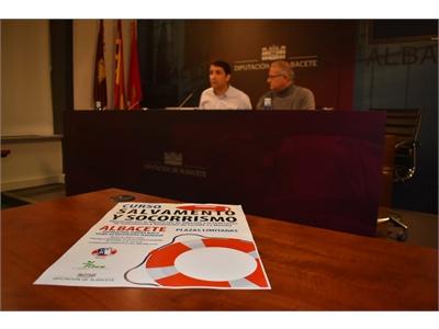La Diputación ofrece un curso de Socorrismo para favorecer que los municipios cuenten con personal cualificado a la hora de abrir sus piscinas