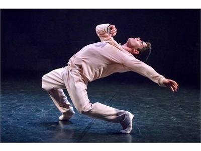 El bailarín almanseño Enrique Sáez ofrecerá una clase magistral al alumnado de Danza Del Real Conservatorio de Música y Danza