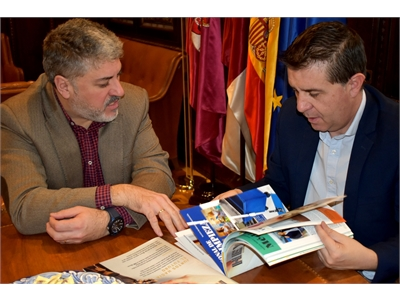 Cabañero brinda al CRMF el apoyo de la Diputación de Albacete para dar a conocer este recurso al conjunto de la provincia
