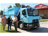 La Diputación recibe un nuevo camión destinado a la recogida selectiva de papel y cartón