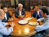 Santiago Cabañero y Daniel Sancha conocen las necesidades de los deportistas con discapacidad intelectual en una reunión mantenida con FECAM