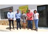 Cabañero, Torres y Sancha visitan el Centro de Recogida de 'Emperrados': un referente en sensibilización con la población canina como protagonista