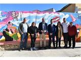 Valera inaugura en Férez un mural impulsado por la Diputación en base a un diseño del cantante Manolo García